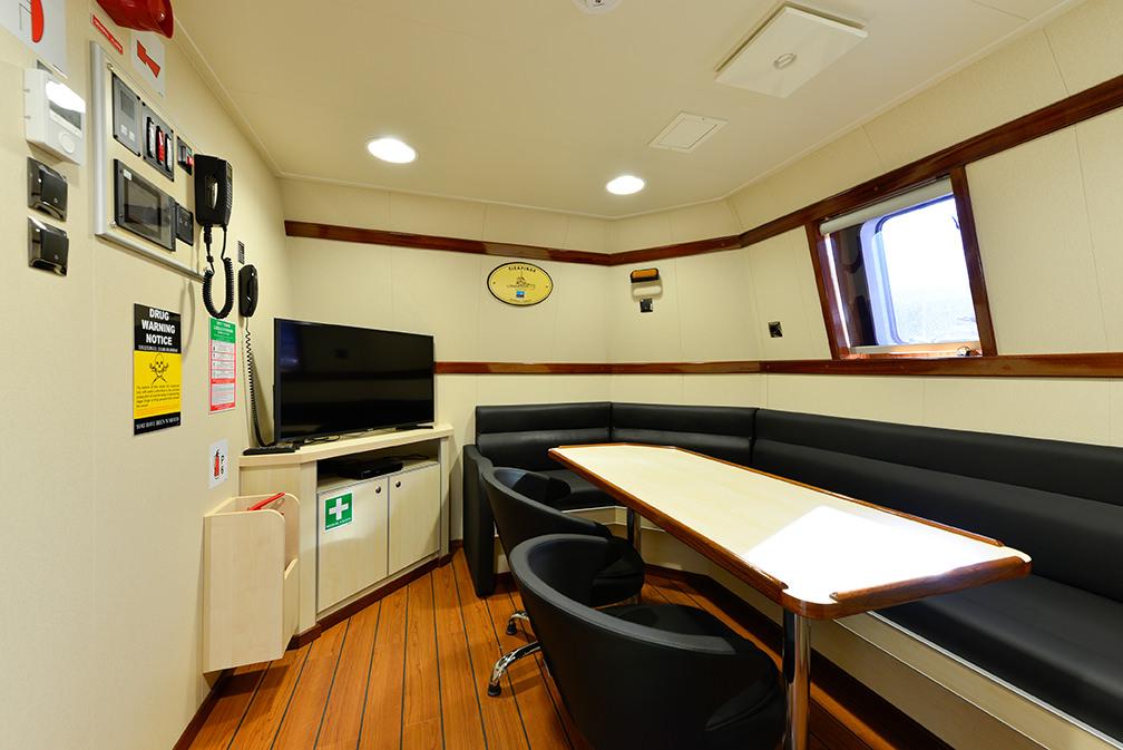 Sanmar_Sirapinar_tugboat-7